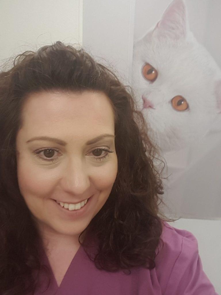 Tierärztin Maria Apostolidou