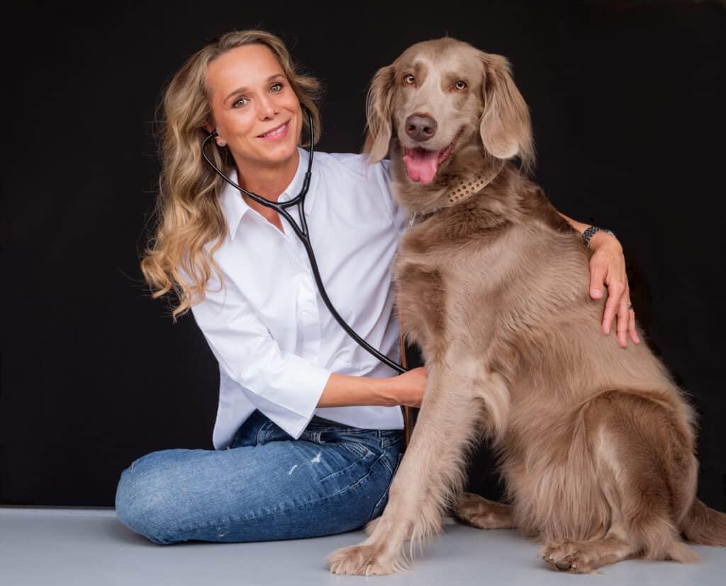 Tierärztin Susanne Arndt mit Olav